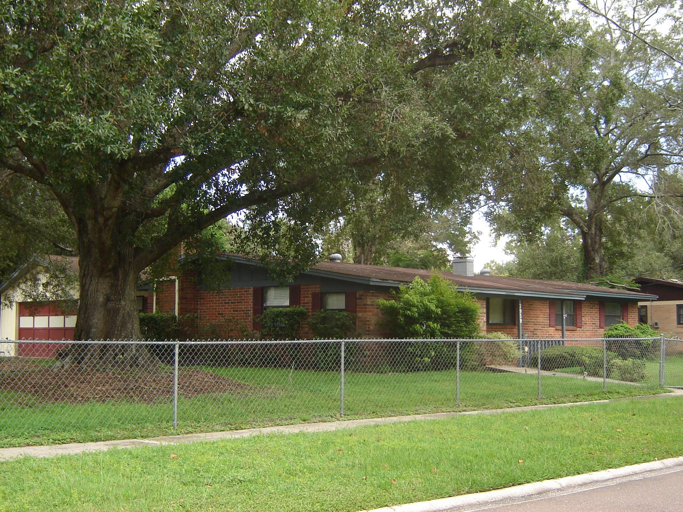7959 Lancia St N Jacksonville Fl 32244 3 Bedroom Apartment For Rent For 950 Month Zumper