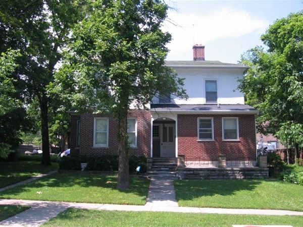 611 Mulberry Pl Highland Park Il 60035 3 Bedroom Apartment For Rent For 1 425 Month Zumper