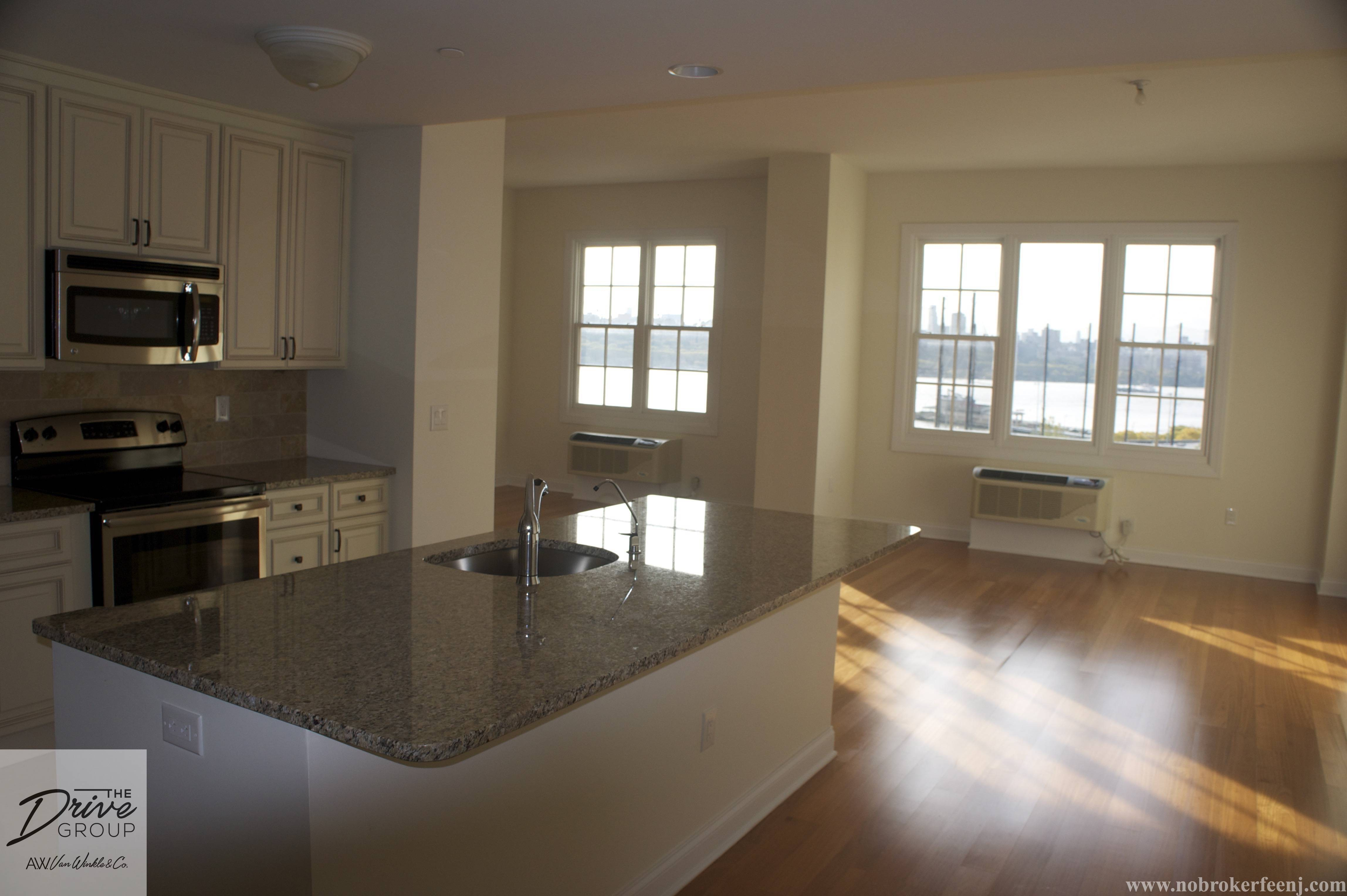 620 River Rd 2364 Edgewater Nj 07020 3 Bedroom Apartment For Rent For 5 500 Month Zumper
