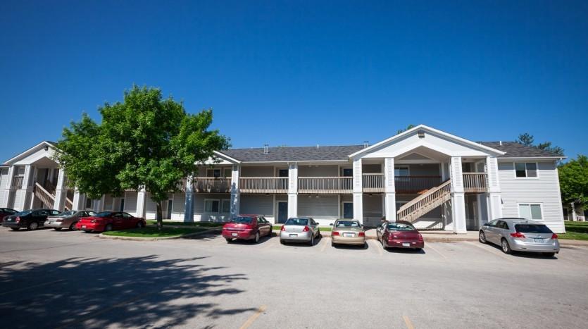 2001 keokuk st iowa city ia 52240 2 bedroom apartment for rent for 740 month zumper for Iowa city one bedroom apartments