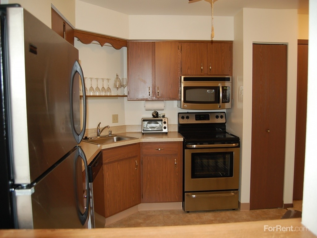 1 075 to 1 330 1 bed 1 bath apartments