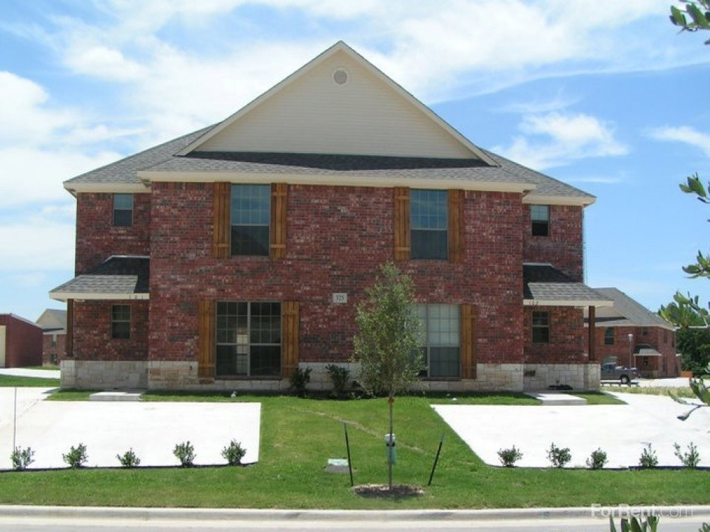 Woodhaven Villas Townhomes Apartments For Rent 309 Tyler